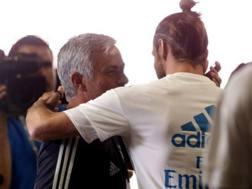 José Mourinho e Gareth Bale. Twitter