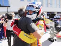 Giuliano Alesi festeggia il secondo successo in GP3