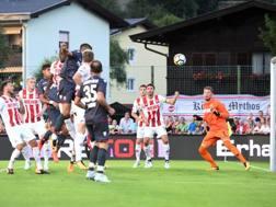 Il gol di Petkovic al Colonia. LaPresse