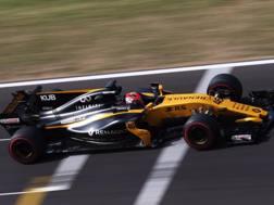 Robert Kubica in azione con la  Renault in Ungheria