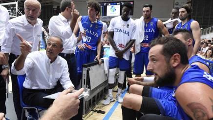 Messina impartirsce le istruzioni alla Trentino Cup. Ciam/Cast