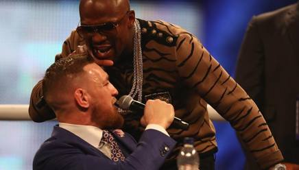 Floyd Mayweather e Conor McGregor. Getty Images