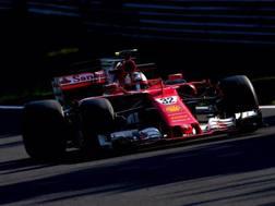 Charles Leclerc in azione con la Ferrari
