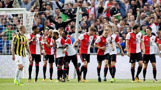 Esultanza e confusione tra Feyenoord e Vitesse. Epa