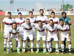 Il Genoa prima dell'amichevole con l'Hoffenheim. LaPresse