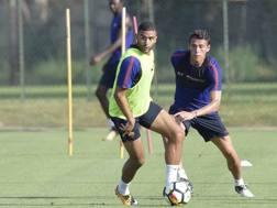 Gregoir Defrel e Hector Moreno durante l'allenamento. LaPresse