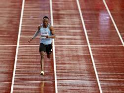 La corsa solitaria di Isaac Makwala sotto la pioggia di Londra. Getty