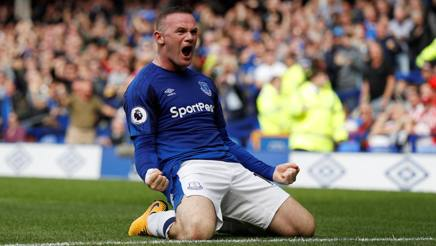 Wayne Rooney, 31 anni, subito in gol e decisivo con l'Everton. Action