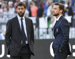 Andrea Agnelli e Marchisio sul prato dell'Olimpico. LaPresse