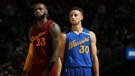 LeBron James, 32 anni, ala Cleveland Cavaliers, e Steph Curry, 29, guardia dei Golden State Warriors. Getty