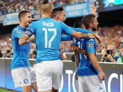 L'esultanza dei giocatori del Napoli dopo il primo gol di Mertens Getty