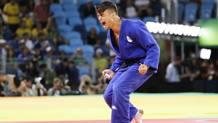 Fabio Basile, 22 anni. esulta per l'oro olimpico a Rio 2016 AP