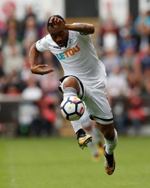 Premier League - Swansea City-Manchester United: Jordan Ayew in azione con la maglia dello Swansea (Action Images)