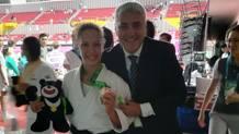 Giulia Pierucci, bronzo a Taipei, con il team coach azzurro Massimo Sulli