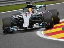 Lewis Hamilton in azione a Spa. Ap
