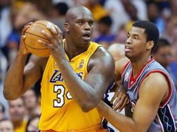Shaq O'Neal con la maglia dei Lakers con cui giocò dal 1996 al 2004.