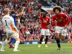 Fellaini raddoppia a Old Trafford. Action Images