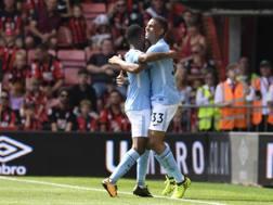 Sterling e Gabriel Jesus, entrambi in gol. Reuters