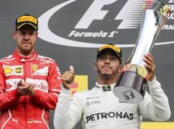 Da sin Sebastian Vettel, Lewis Hamilton e Daniel Ricciardo. Epa