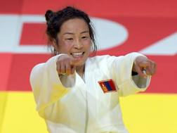 Sumiya Dorjsuren,26 anni, vince il secondo oro della storia per la Mongolia AFP
