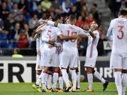 La Spagna esulta per il prima gol di Morata. Afp
