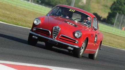 Auto classiche sempre al centro della passione dei collezionisti