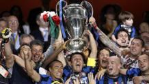 La pazza esultanza del capitano Javier Zanetti e dei compagni al Santiago Bernabeu dopo la vittoria della Champions in finale contro il Bayern Monaco. Reuters