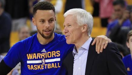 Steph Curry, 29 anni, con Bob McKillop, 67, suo coach a Davidson. Afp