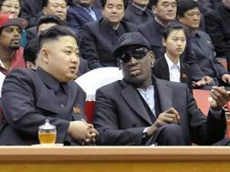 Kim Jong Un e Dennis Rodman fotografati a Pyongyang nel 2013. Afp