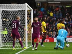 Aguero ringrazia Silva per l'assist. Getty Images