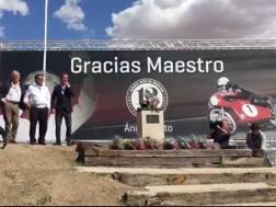 Anche Giacomo Agostini (a sin) al tributo per Angel Nieto