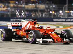 Sebastian Vettel in azione a Singapore. Afp
