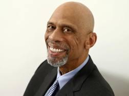 Kareem Abdul-Jabbar, 70 anni. Ap