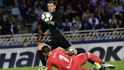 Gareth Bale in azione a San Sebastian. Ap