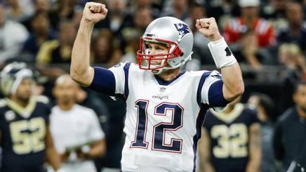 Tom Brady esulta dopo la vittoria su New Orleans. Reuters