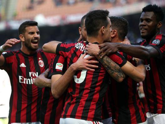 Festa Milan a San Siro contro l'Udinese. Ansa