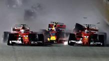 Il botto al via del GP di Singapore fra Vettel, Verstappen e Raikkonen. Getty