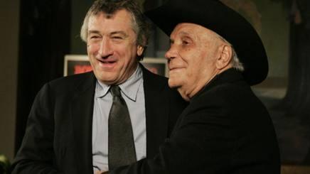 Jake La Motta, a destra, con Robert De Niro che gli ha dato volto sul ring in Toro scatenato. Ap