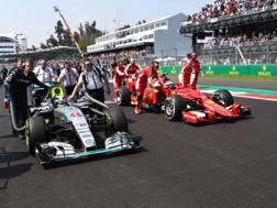 Mercedes e Ferrari sul tracciato messicano nella scorsa edizione. Lapresse