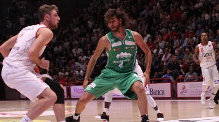 Gianmarco Tamberi in versione cestista. S. Bonelli