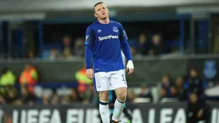 La reazione sconfortata di Rooney al pareggio dell'Apollon Limassol. Afp