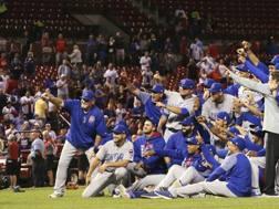 I campioni uscenti dei Chicago Cubs celebrano il ritorno ai playoff. Ap