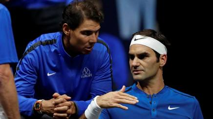 Rafael Nadal e Roger Federer sono in corsa per il numero uno di fine stagione REUTERS