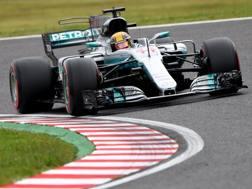 Lewis Hamilton in azione a Suzuka. Afp