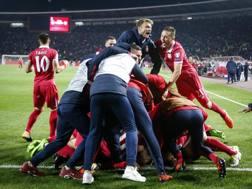 La Serbia impazzisce di gioia dopo il gol-qualificazione alla Georgia. Getty