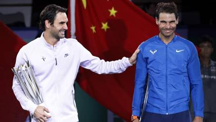 Roger Federer e Rafa Nadal a Shanghai. Ap