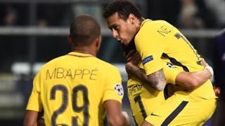 Neymar e Mbappé in gol in Belgio. Afp