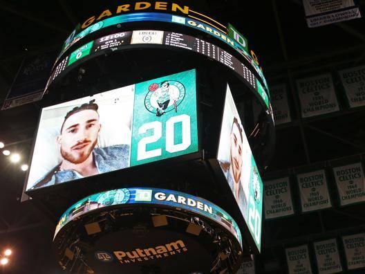 Il video messaggio di Gordon Hayward del Boston Celtics  prima della partita contro i Milwaukee Bucks Afp