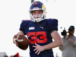 Max Verstappen, 20 anno, nell'inedito ruolo di giocatore di football americano AFP