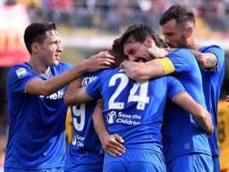 L'esultanza della Fiorentina dopo il gol di Benassi. Lapresse